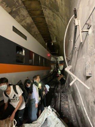 Image: TAIWAN-TRAIN-ACCIDENT